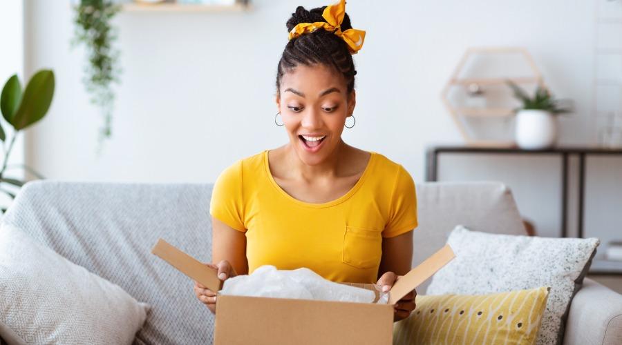 abrindo-encomenda-delivery